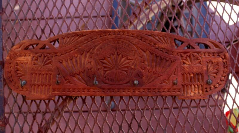 Circa 1910 Antique Ornate Chip Carved Victorian Wooden Hanging Cup Or Tie Rack