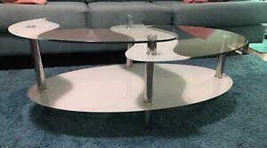 Coffee table - Glass retro space age design