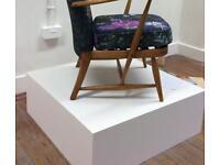 Square exhibition/display plinth