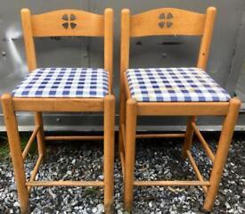 2x Wooden bar/breakfast bar stools
