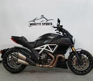 2015 Ducati Diavel Carbon -