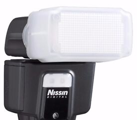 Nissin i40 - hot-shoe clip-on flash