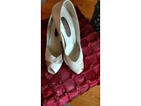 Vintage 1980's Roland Cartier Beige Peep Toe Leather Courts