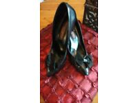 Vintage 1980's Black Leather Court Shoes