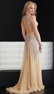 RENT PROM DRESS BY JASZ COUTURE