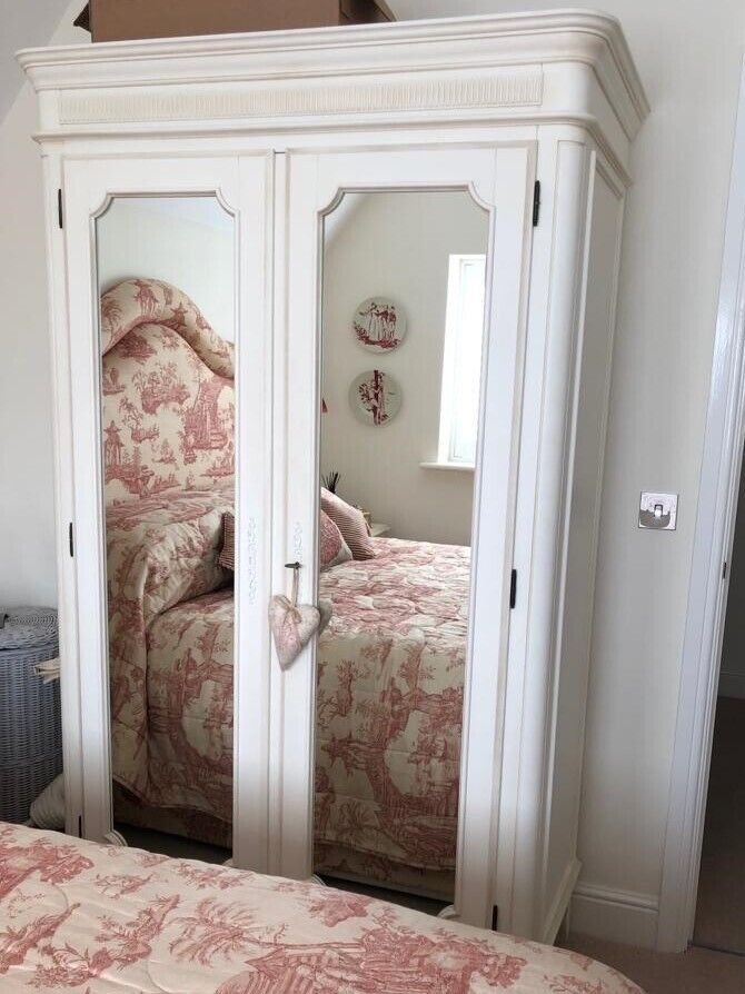 Awe Inspiring Laura Ashley Bedroom Furniture W Robe 2 Side Tables And Chest Of Drawers In Matlock Derbyshire Gumtree Download Free Architecture Designs Scobabritishbridgeorg