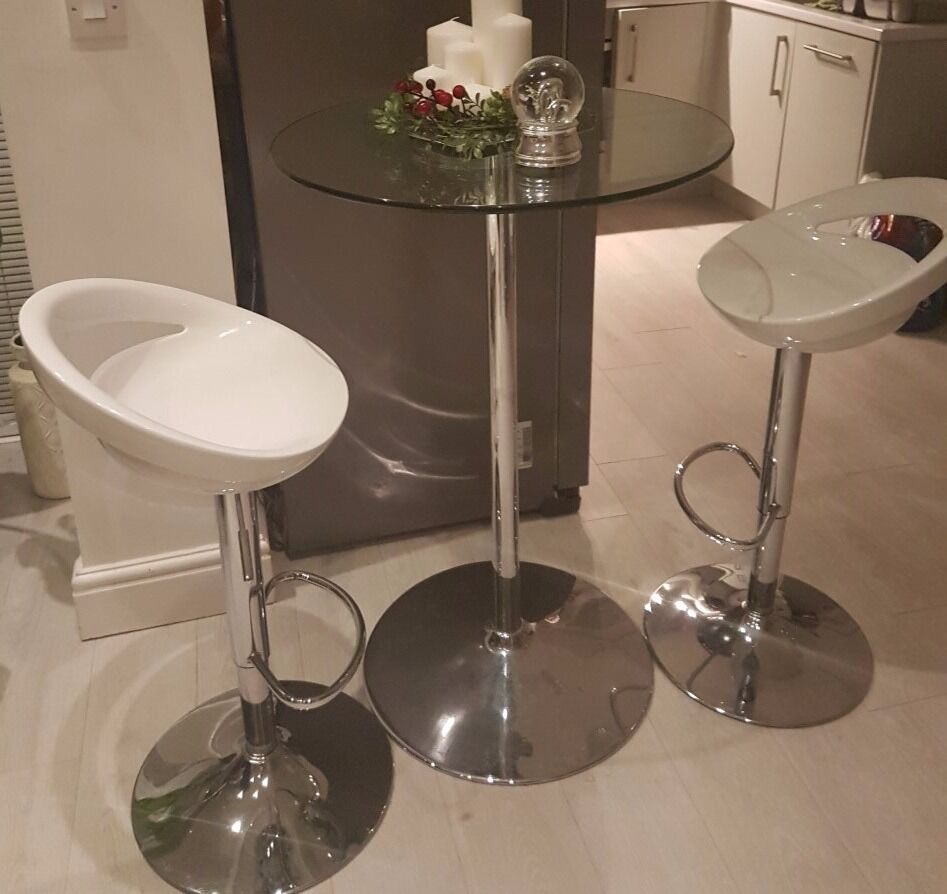 Clear Glass Breakfast Bar Table And 2 New White Gloss