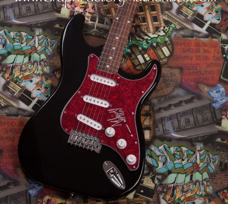 GFA Love Myself Pop Star *HAILEE STEINFELD * Signed Electric Guitar PROOF COA