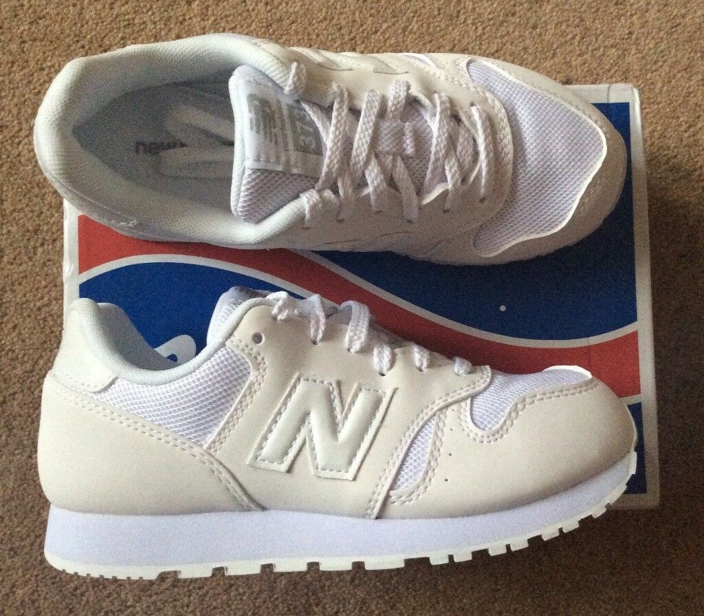 brand new b2e76 cdbe3 BNWT Unisex New Balance 373 White Trainers - Junior Size 1 | in Dundee |  Gumtree