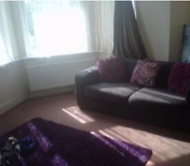1bed groundfloor property with garden for 2bed