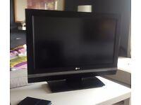 32' LG LCD HD flatscreen TV