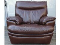 DELIVERY INCLUDED leather manual recliner armchair