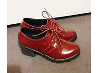 Beautiful red heeled Oxfords! Size 5!
