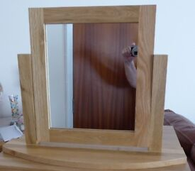 BEAUTIFUL OAK FURNITURE LAND SOLID NATURAL OAK DRESSING TABLE MIRROR IMMACULATE CONDITION £70