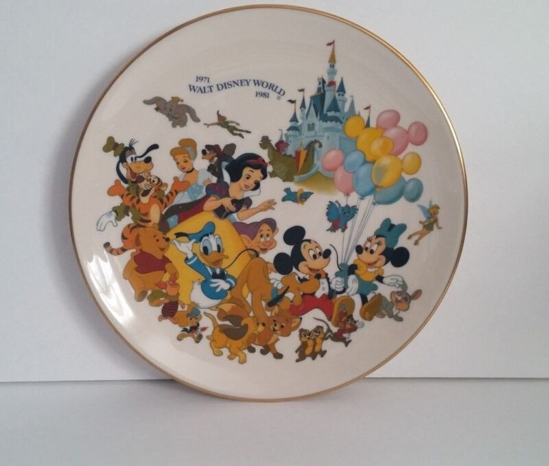 Walt Disney Productions Collector Plate 10th Anniversary WDW Snow White Mickey