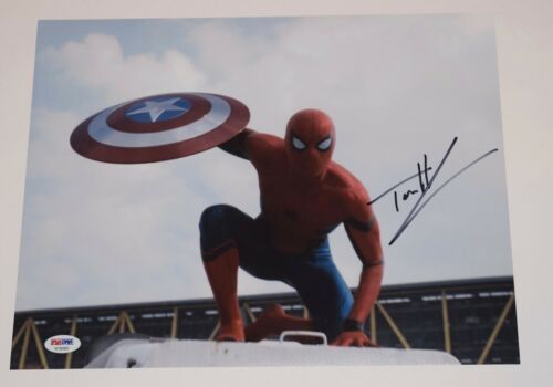 Tom Holland Signed Autographed 11x14 Photo SPIDER-MAN HOMECOMING PSA/DNA COA