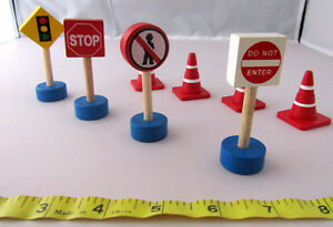 Toy Road Signs And Cones x 8 Wooden Small World Play