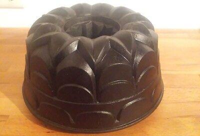 LE CREUSET Nr 24 Guss Gugelhupf Backform Kuchenform Bundt Pan cast iron Guglhupf
