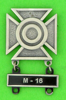 Army Sharpshooter Marksmanship Badge with M-16 Qualification Attachment Bar
