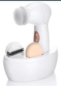 BRAND NEW Facial Cleansing Brush Kit with Display Box