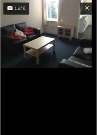 AVAILABLE: LARGE 3 BEDROOM FLAT TO RENT IN HEATON .