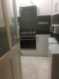 4-5 BEDROOM FLAT TO RENT IN SE1 £2800PCM