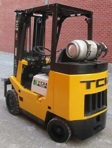 TCM FORKLIFT 5000LB CAP.3STAGE MAST WITH SIDE SHIFT