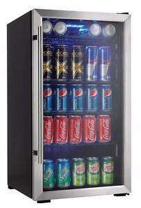 Refroidisseur de breuvages capacité de 120 Canettes Danby Designer ( DBC93BLSDD )