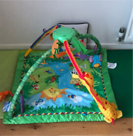 Fisher-Price K4562 Melodies and Lights Deluxe baby Gym