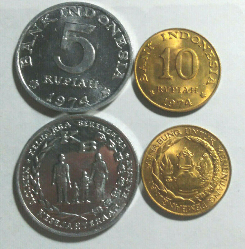 INDONESIA, VINTAGE UNCIRCULATED 1974 COIN PAIR, 5 & 10 RUPIAH