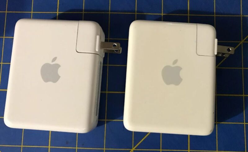 Used Apple AirPort Express 802.11n Base Station Wireless N Router A1264. A1084