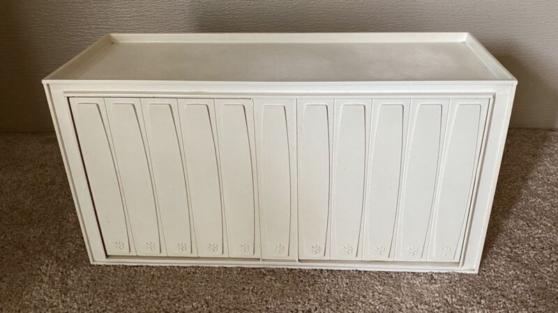 Vintage Rubbermaid Wall-Mount Bathroom Organizer Cabinet Groovy White RARE 60