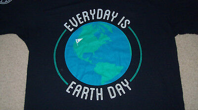 (Sleeve graphics) ZAPPOS EARTH DAY Promo T-Shirt MEDIUM Mens Womens Environment