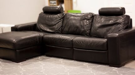 Leather couch 2.5 seater