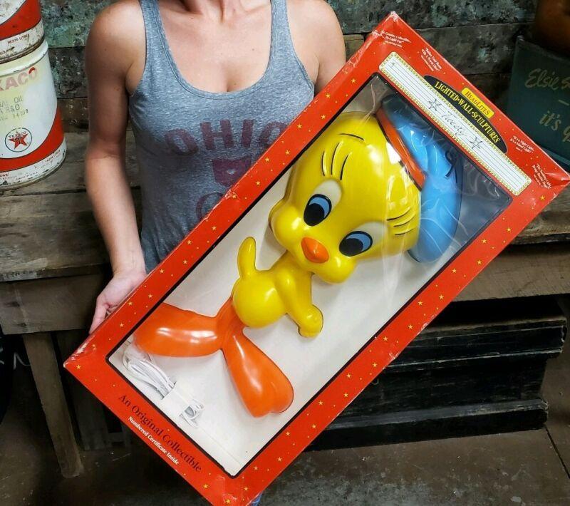 "Vtg Warner Brothers Looney Tunes TWEETY Lighted Wall Sculpture By Headlites 22""H"