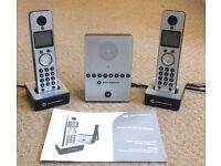 Motorola D712 twin DECT phones & answer machine