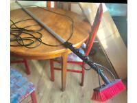 Window cleaning brush