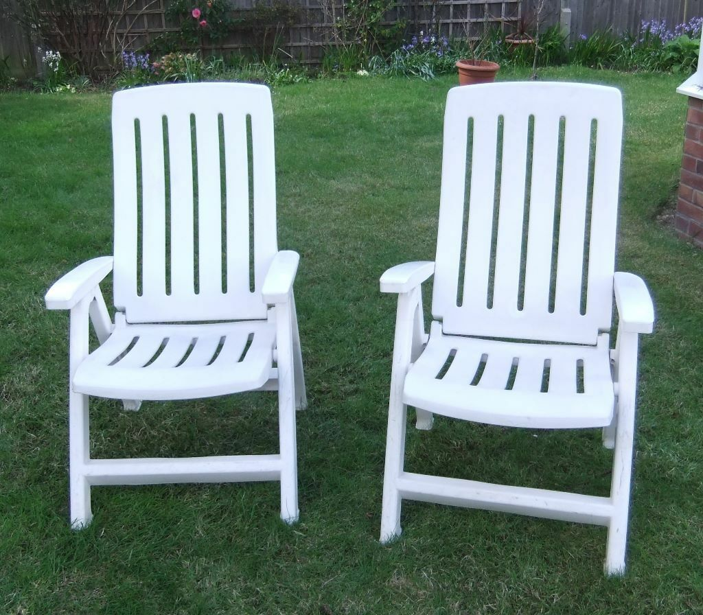 white plastic reclining garden chairs in holbury hampshire gumtree. Black Bedroom Furniture Sets. Home Design Ideas
