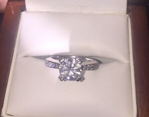 18CT White Gold Diamond set Engagement Ring Campbelltown Campbelltown Area Preview