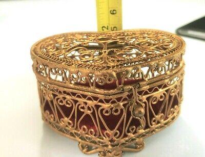 STUNNING Vintage ESTATE Gold Filigree HEART SHAPE Trinket Jewelry Dresser Box