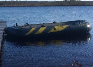 Inflatable boat/motor & all accessories