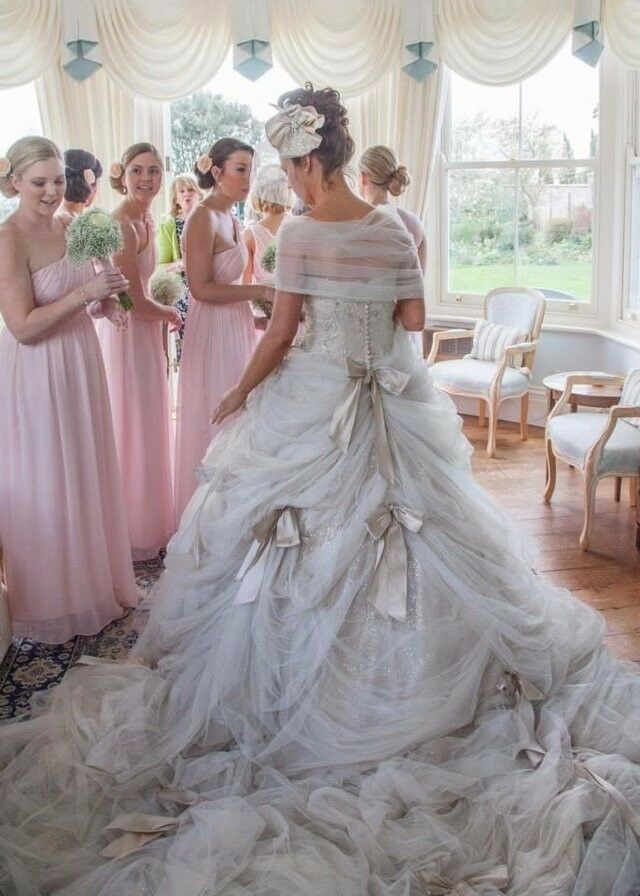 Stunning Ian Stuart Wedding Dress