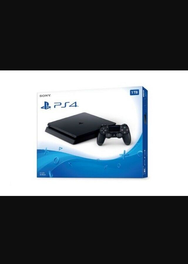 Ps4 1TB new condition with two games
