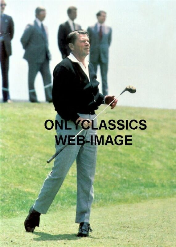 1981 PRESIDENT RONALD REAGAN GOLFING WITH CLUB IN HAND 5X7 PHOTO SECRET SERVICE