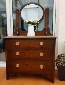 Stunning solid oak dressing table chest of drawers with mirror
