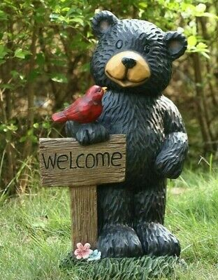 Bear Holding Welcome Sign Figurine - Life Like Figurine Statue Home / Garden ()
