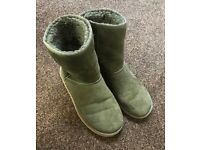 Army green UGGs Australia size 7