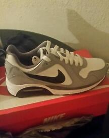 Brand new nike air max size 6
