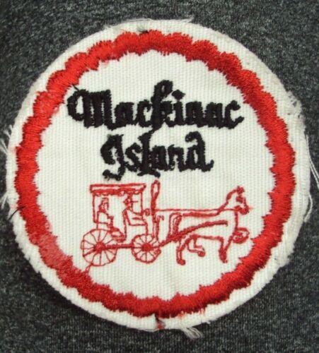 """Vtg MACKINAC ISLAND MI Souvenir Cloth Patch ~ 3"""" D"""