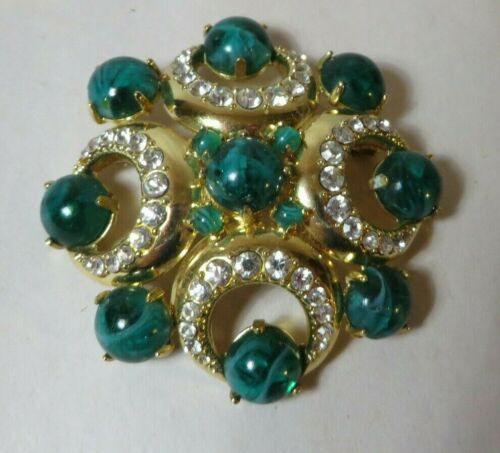 VINTAGE SIGNED GROSSE 1968 FOR DIOR GREEN CABACHON AND RHINESTONE BROOCH
